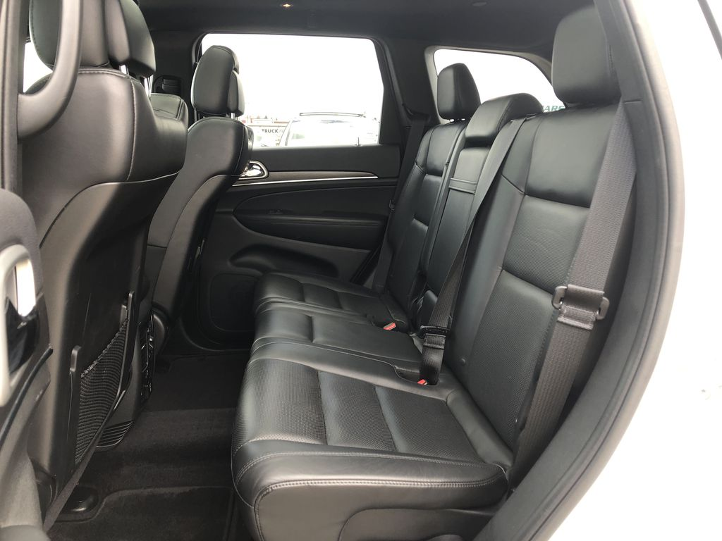 White[Bright White] 2018 Jeep Grand Cherokee Limited *Vented Seats* *Panoramic Sunroof* Left Side Rear Seat  Photo in Brandon MB