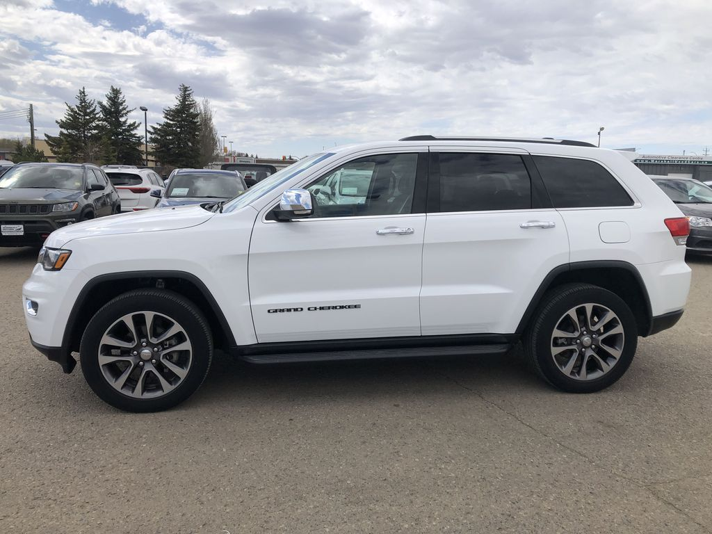 White[Bright White] 2018 Jeep Grand Cherokee Limited *Vented Seats* *Panoramic Sunroof* Left Side Photo in Brandon MB
