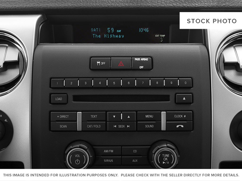 White[Oxford White] 2013 Ford F-150 Radio Controls Closeup Photo in Fort Macleod AB