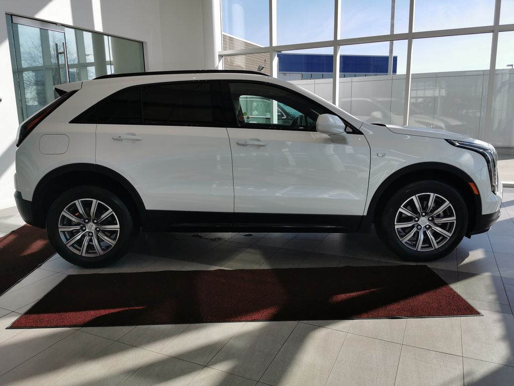 White[Crystal White Tricoat] 2019 Cadillac XT4 Right Side Photo in Edmonton AB