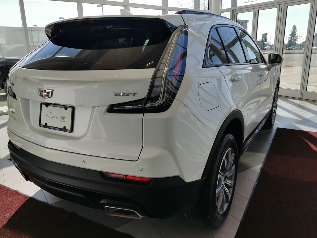 White[Crystal White Tricoat] 2019 Cadillac XT4 Right Rear Corner Photo in Edmonton AB