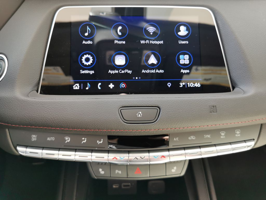 White[Crystal White Tricoat] 2019 Cadillac XT4 Central Dash Options Photo in Edmonton AB