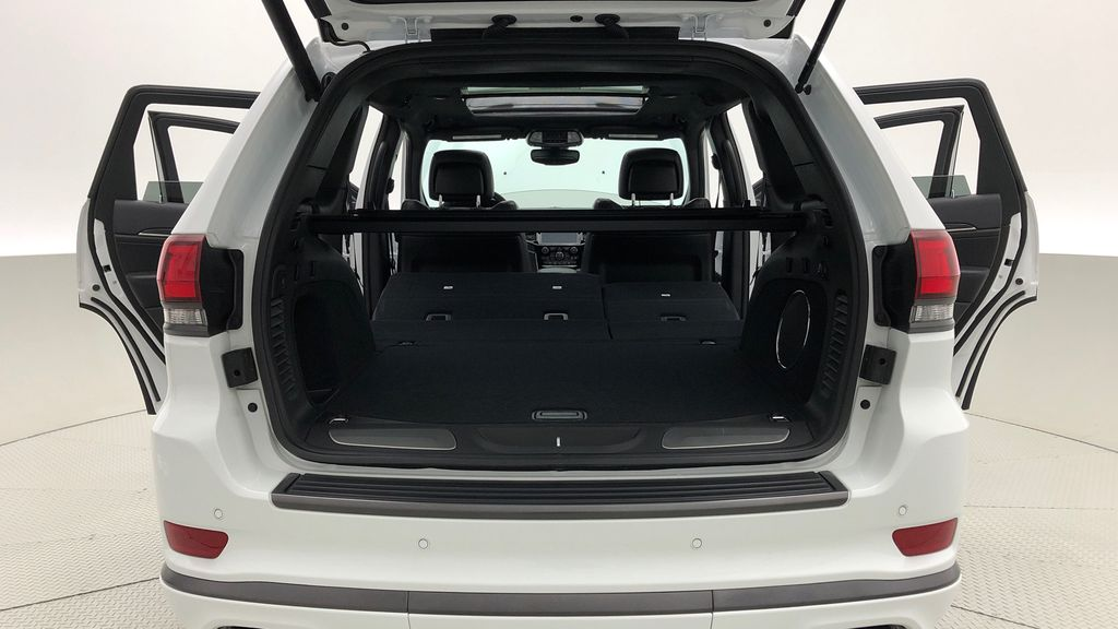White[Bright White] 2019 Jeep Grand Cherokee Limited X 4WD - Panoramic Roof Rear Seat: Cargo/Storage Photo in Winnipeg MB