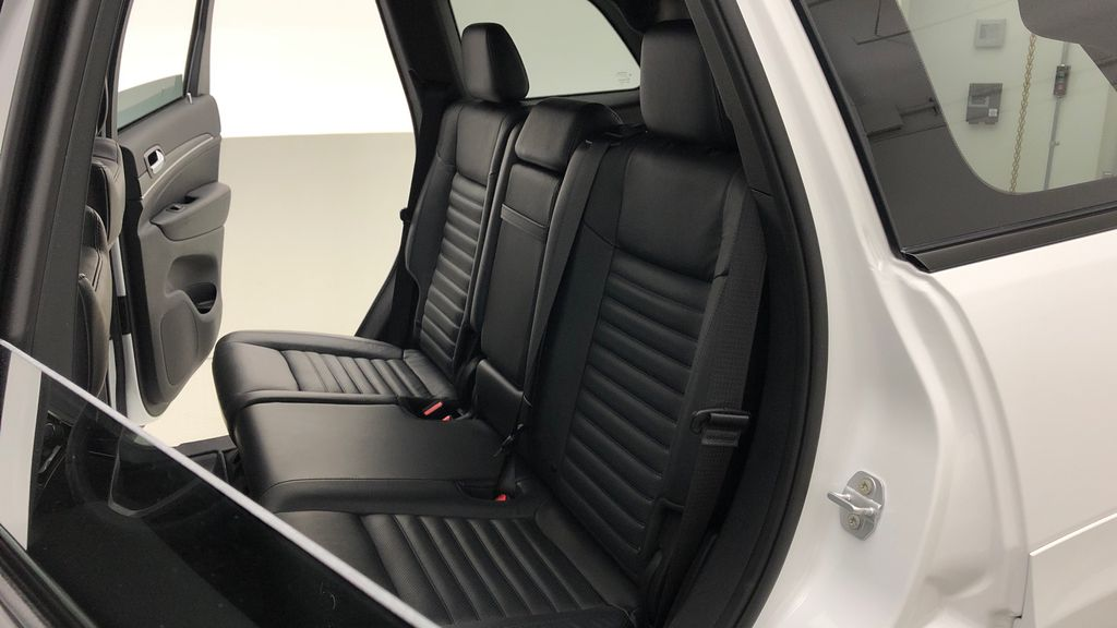 White[Bright White] 2019 Jeep Grand Cherokee Limited X 4WD - Panoramic Roof Left Side Rear Seat  Photo in Winnipeg MB