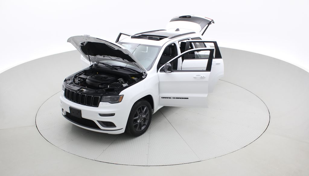 White[Bright White] 2019 Jeep Grand Cherokee Limited X 4WD - Panoramic Roof Left Front Corner Photo in Winnipeg MB