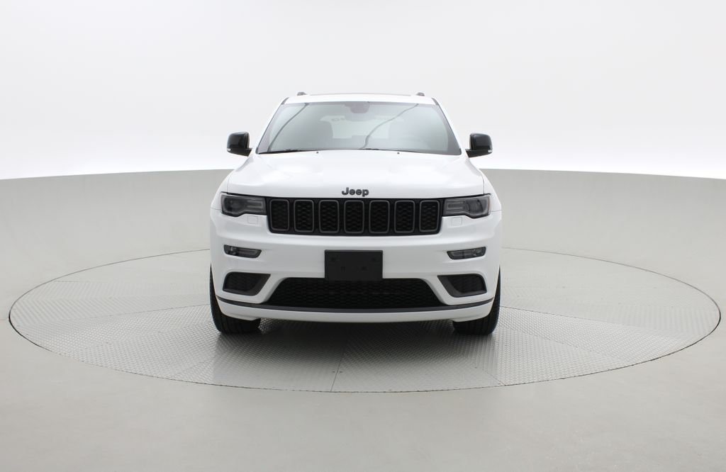 White[Bright White] 2019 Jeep Grand Cherokee Limited X 4WD - Panoramic Roof Front Vehicle Photo in Winnipeg MB