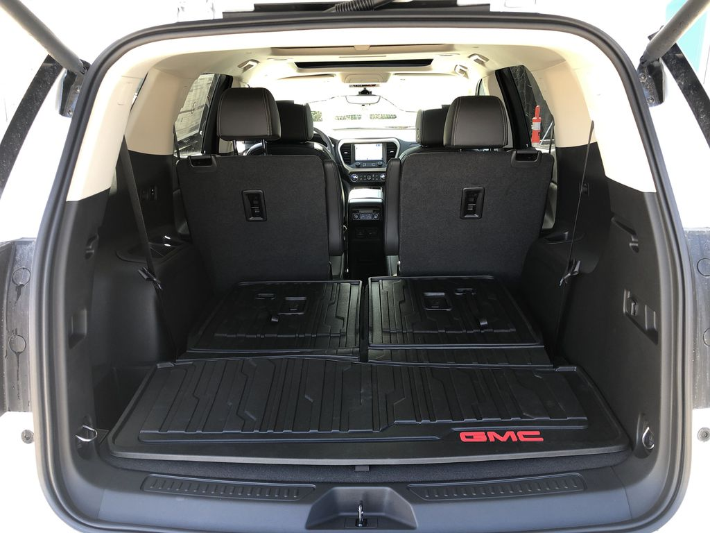 White[White Frost Tricoat] 2021 GMC Acadia Denali Trunk / Cargo Area Photo in Canmore AB