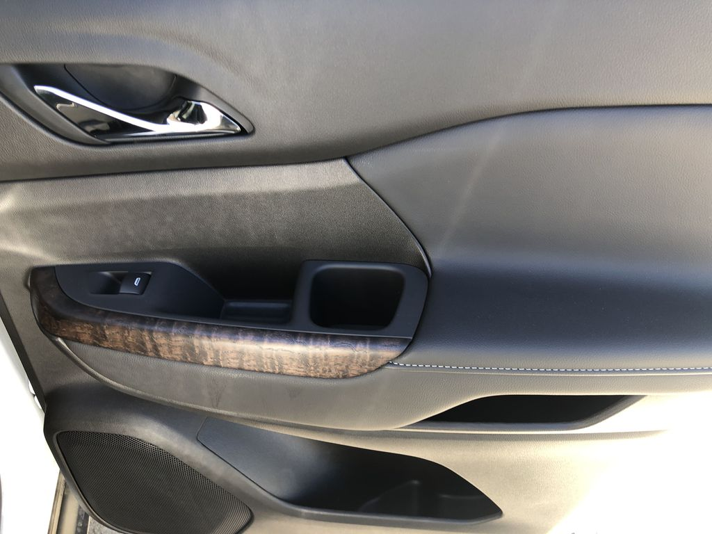 White[White Frost Tricoat] 2021 GMC Acadia Denali Right Rear Interior Door Panel Photo in Canmore AB