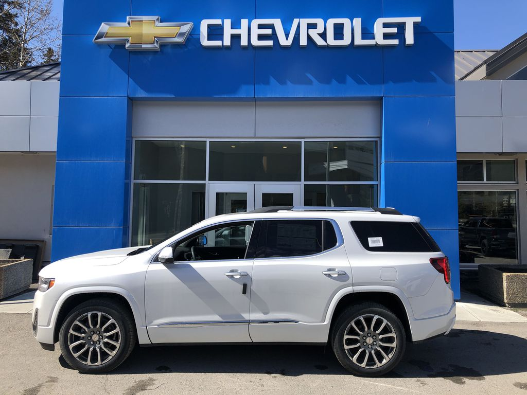 White[White Frost Tricoat] 2021 GMC Acadia Denali Left Side Photo in Canmore AB