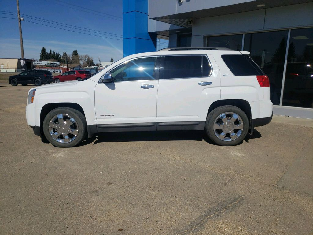 White 2015 GMC Terrain Left Front Head Light / Bumper and Grill in Westlock AB