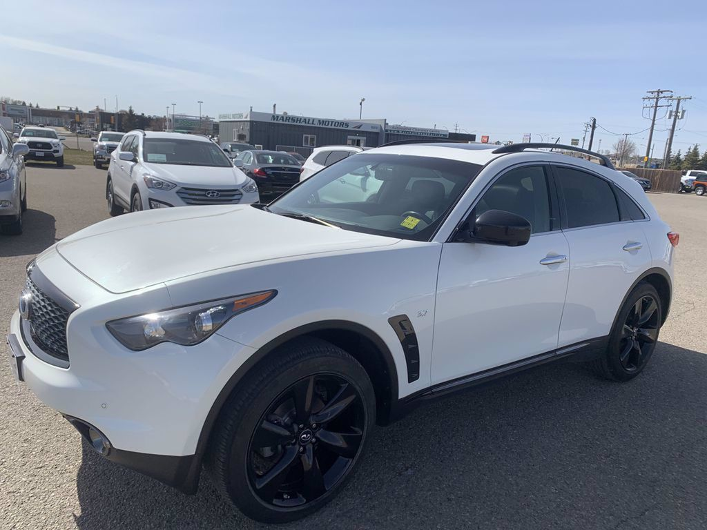 White[Majestic White Pearl] 2017 INFINITI QX70 AWD 4dr *360 Cam* *Sunroof* *Heated Seats* Left Front Corner Photo in Brandon MB
