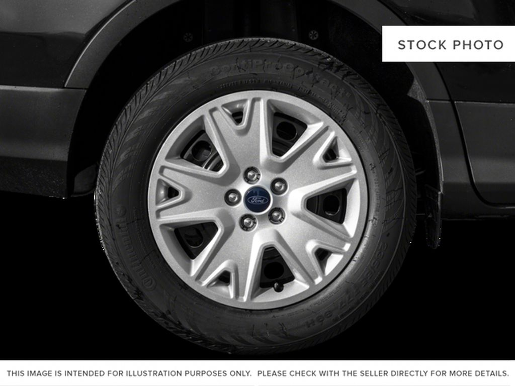 White[Oxford White] 2015 Ford Escape Left Front Rim and Tire Photo in Kelowna BC