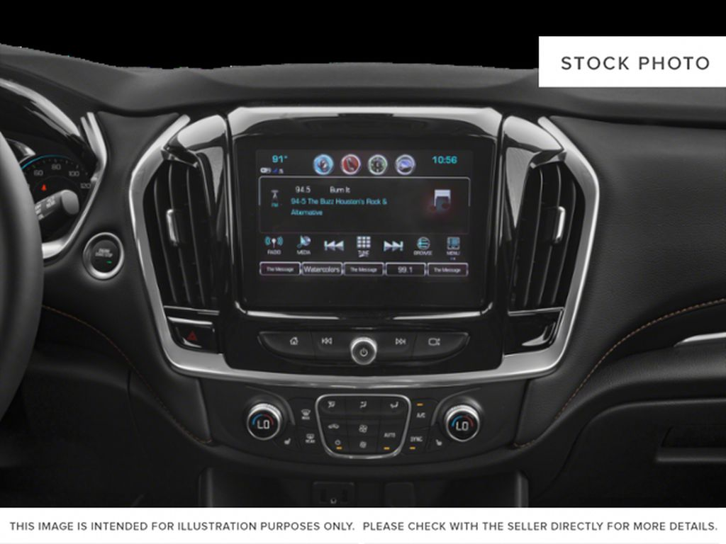 White[Iridescent Pearl Tricoat] 2020 Chevrolet Traverse Radio Controls Closeup Photo in Fort Macleod AB