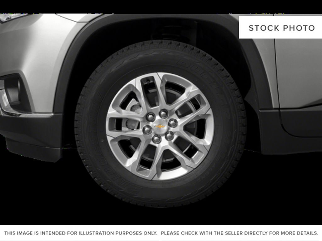 White[Iridescent Pearl Tricoat] 2020 Chevrolet Traverse Left Front Rim and Tire Photo in Fort Macleod AB