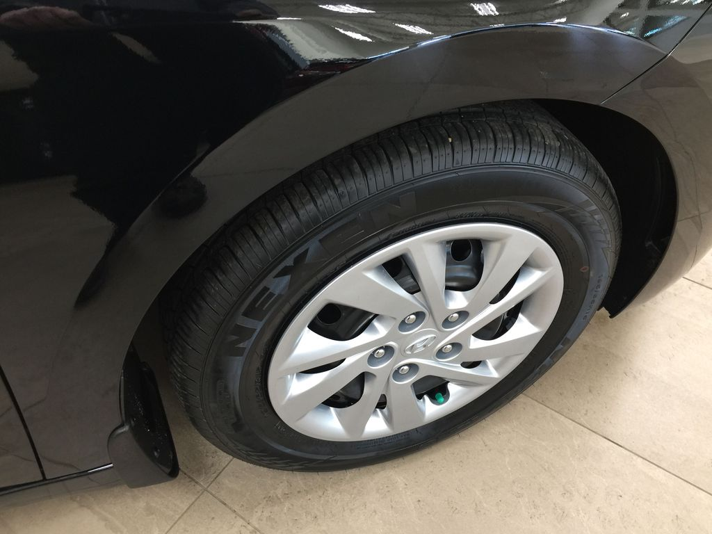 Black[Space Black] 2020 Hyundai Elantra Essential Manual Trans. Right Front Rim and Tire Photo in Sherwood Park AB