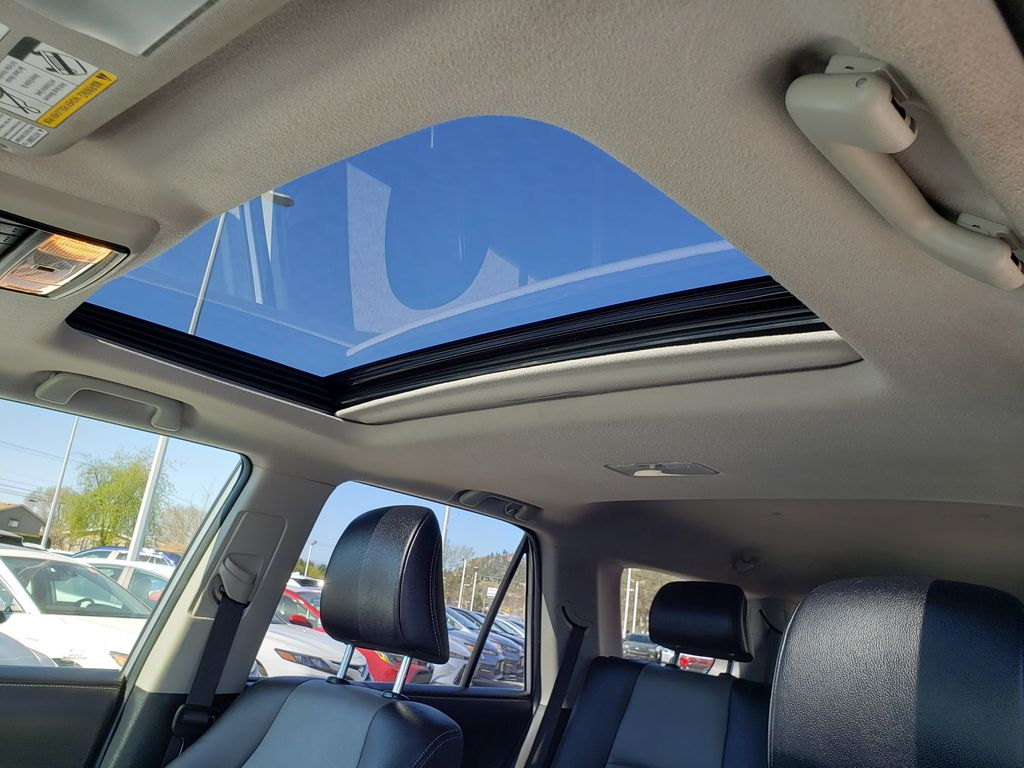 Silver[Classic Silver Metallic] 2016 Toyota 4Runner Sunroof Photo in Kelowna BC