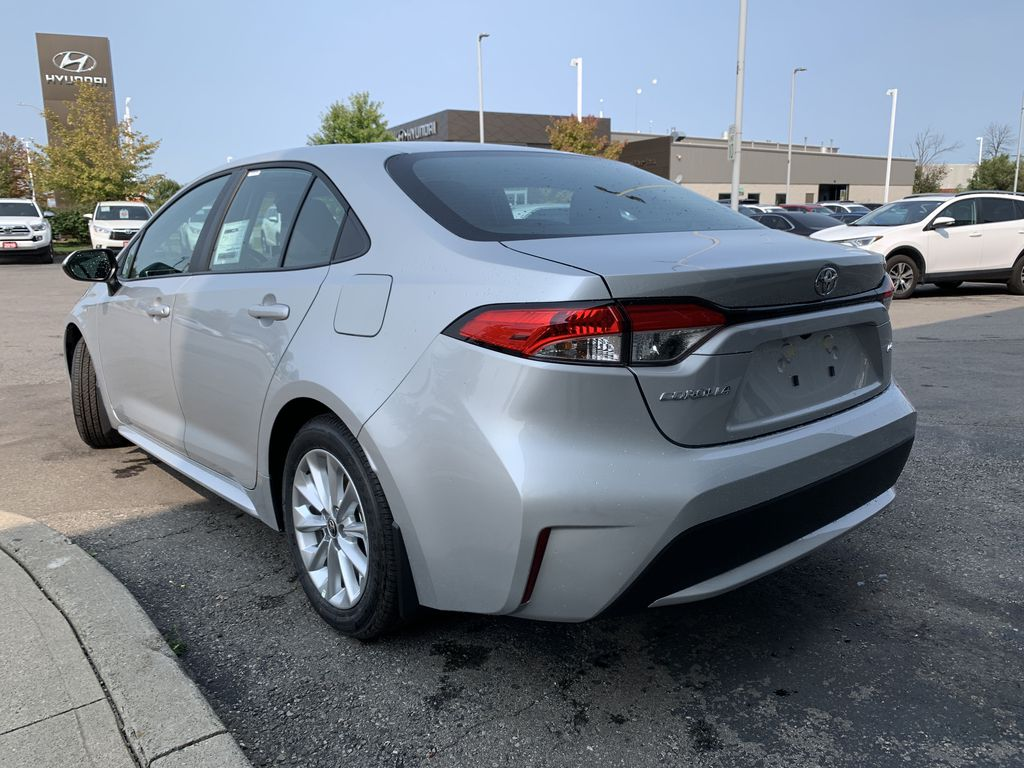 Silver [Classic Silver Metallic] 2021 Toyota Corolla LE Upgrade Package BPRBLC BM Left Front Interior Door Panel Photo in Brampton ON