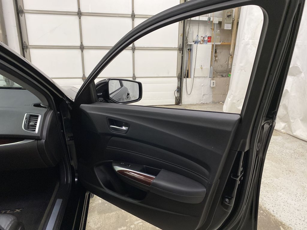 Black[Crystal Black Pearl] 2015 Acura TLX Right Front Interior Door Panel Photo in Dartmouth NS