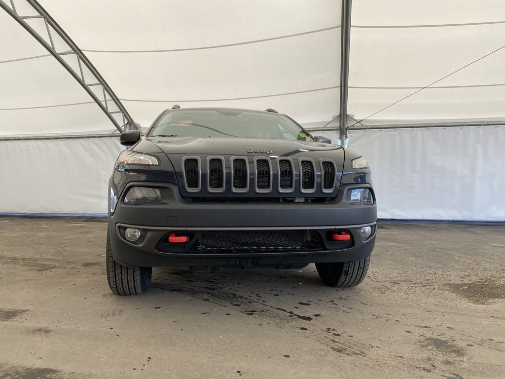 2017 Jeep Cherokee Left Front Corner Photo in Airdrie AB