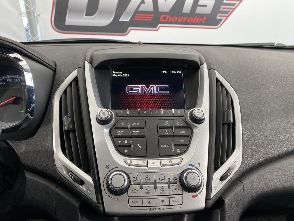 2015 GMC Terrain Driver's Side Door Controls Photo in Airdrie AB