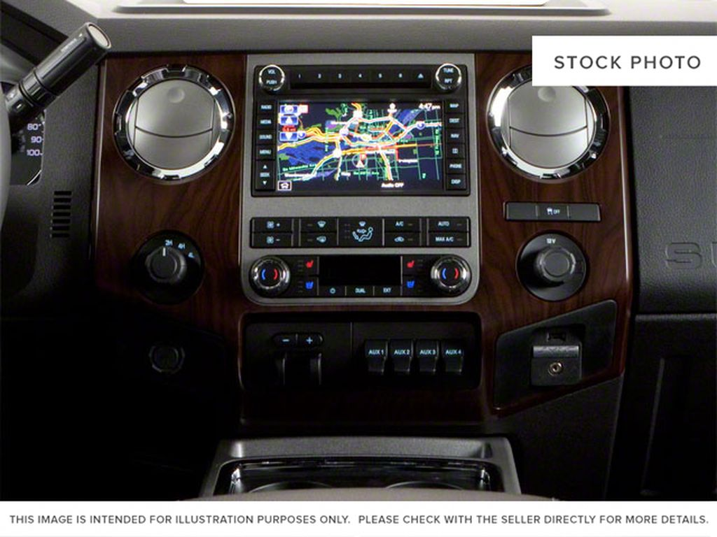 Black[Black] 2011 Ford Super Duty F-250 SRW Center Console Photo in Fort Macleod AB