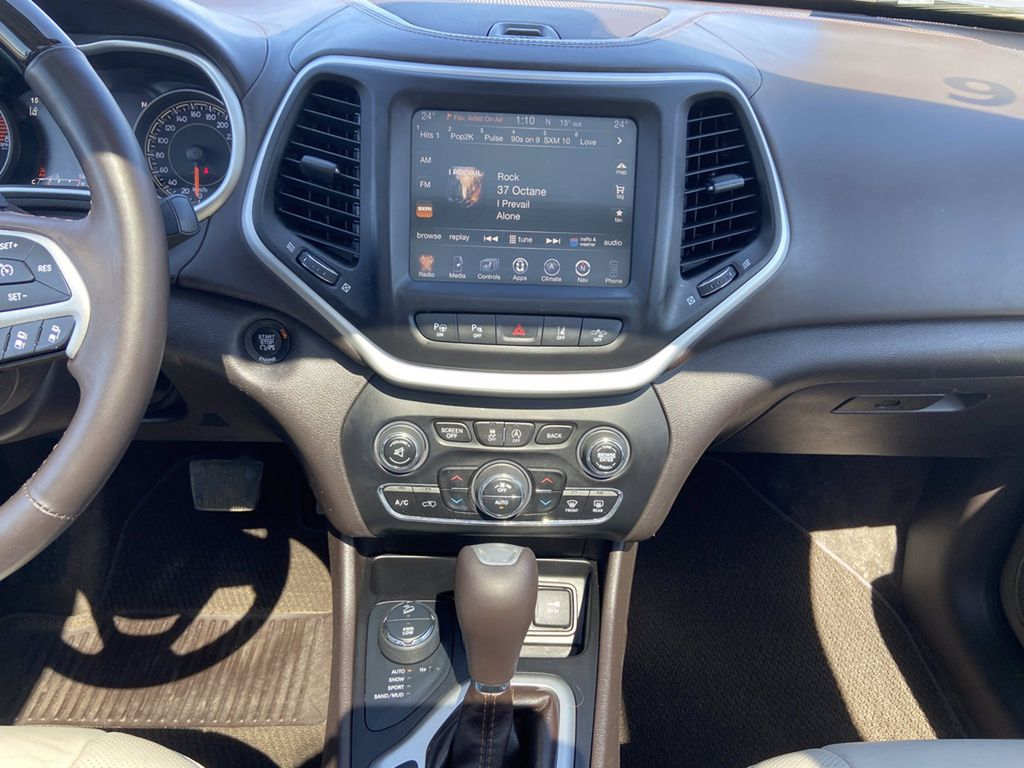 White[Bright White] 2016 Jeep Cherokee Front Vehicle Photo in Brandon MB