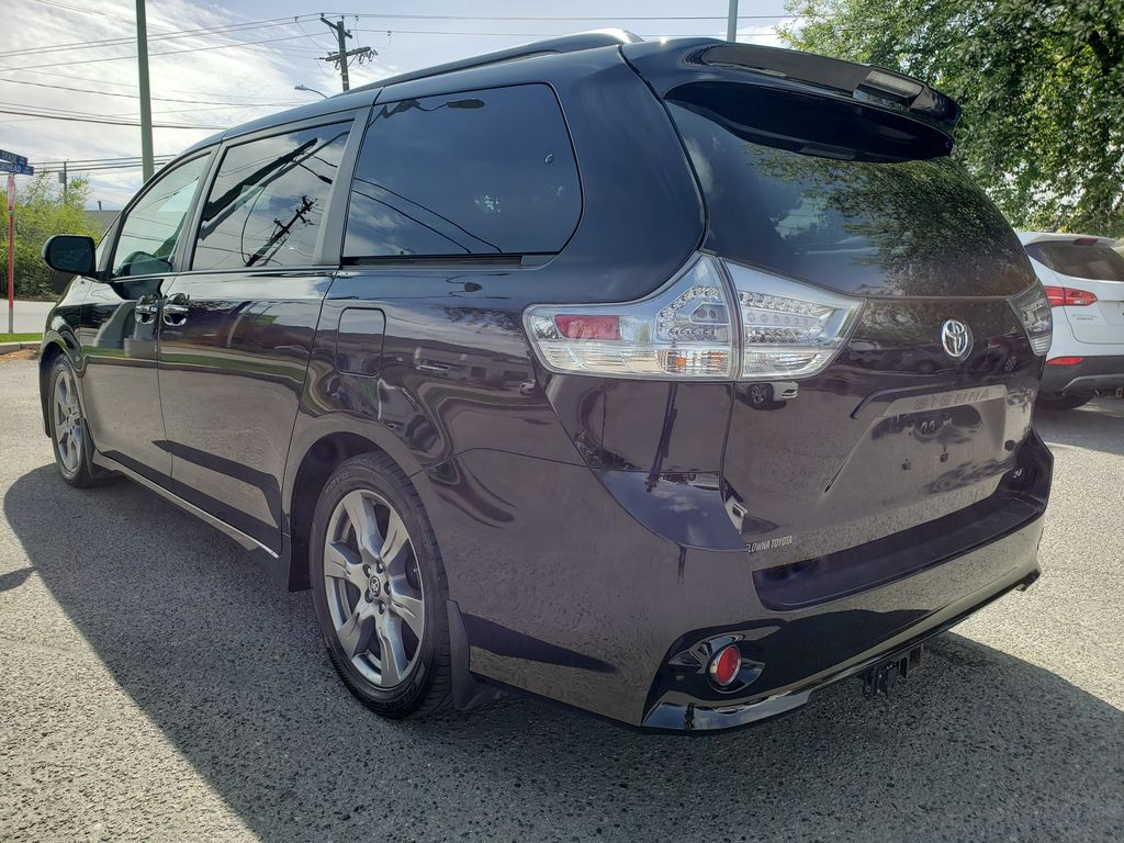 Black 2019 Toyota Sienna Left Rear Corner Photo in Kelowna BC