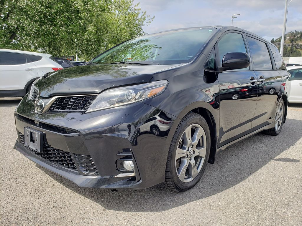 Black 2019 Toyota Sienna Left Front Corner Photo in Kelowna BC