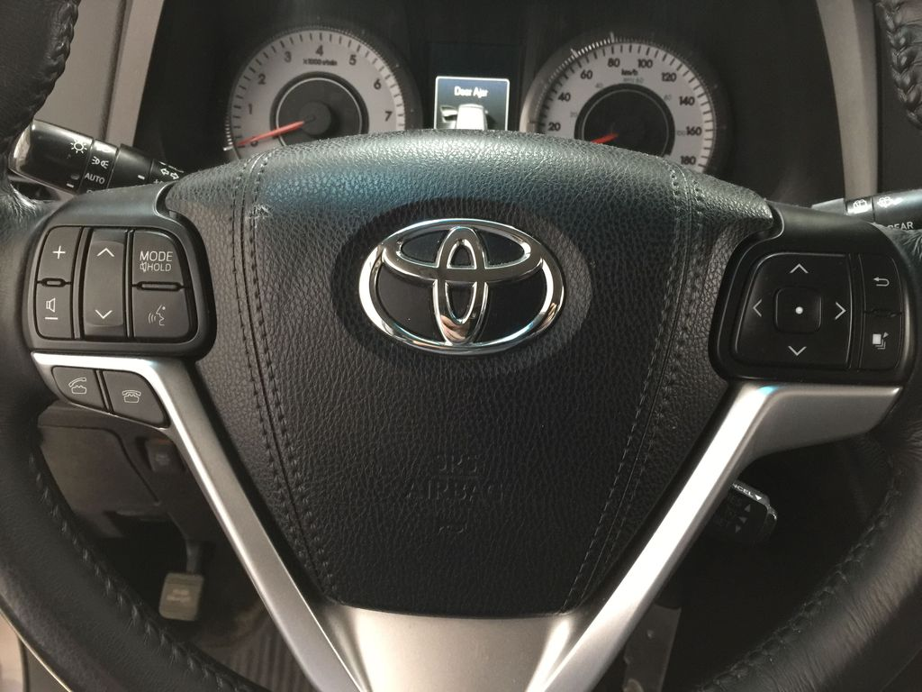 Gray[Pre-Dawn Grey Mica] 2017 Toyota Sienna SE Steering Wheel and Dash Photo in Sherwood Park AB