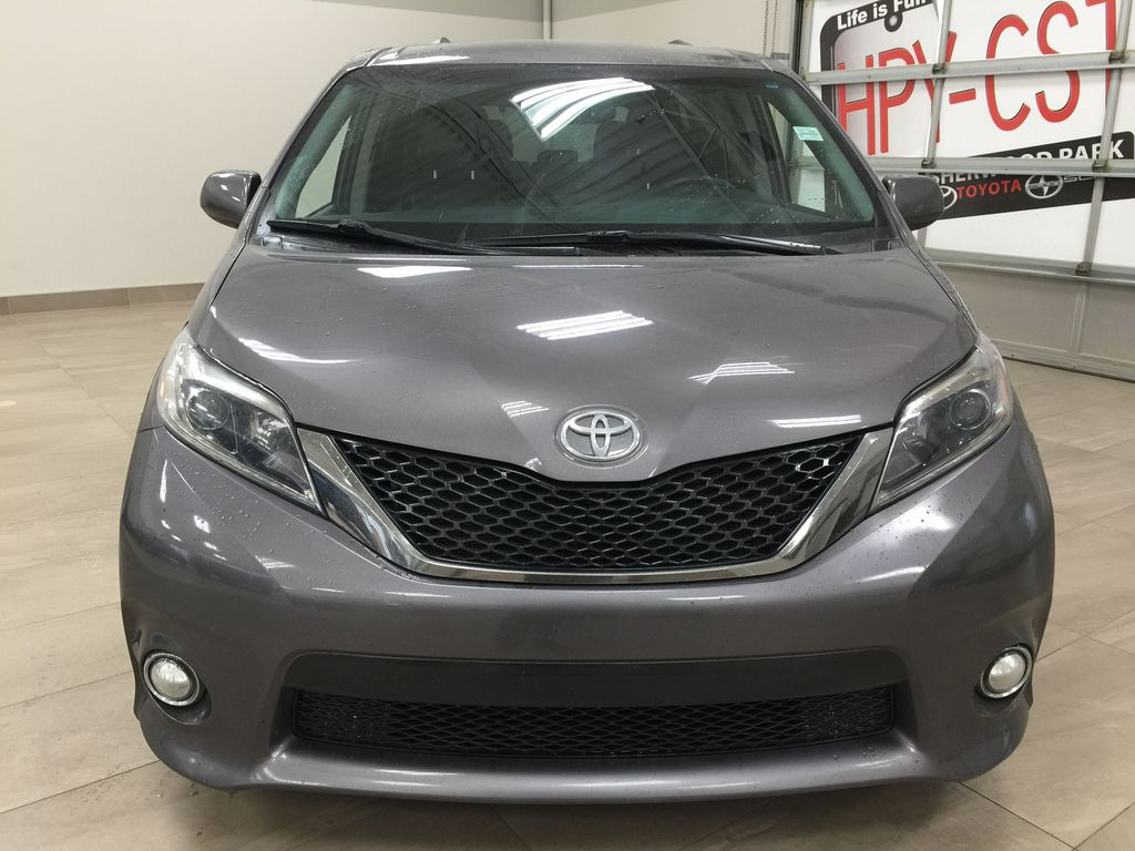 Gray[Pre-Dawn Grey Mica] 2017 Toyota Sienna SE Front Vehicle Photo in Sherwood Park AB