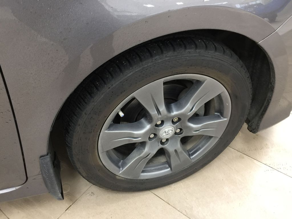 Gray[Pre-Dawn Grey Mica] 2017 Toyota Sienna SE Right Front Rim and Tire Photo in Sherwood Park AB