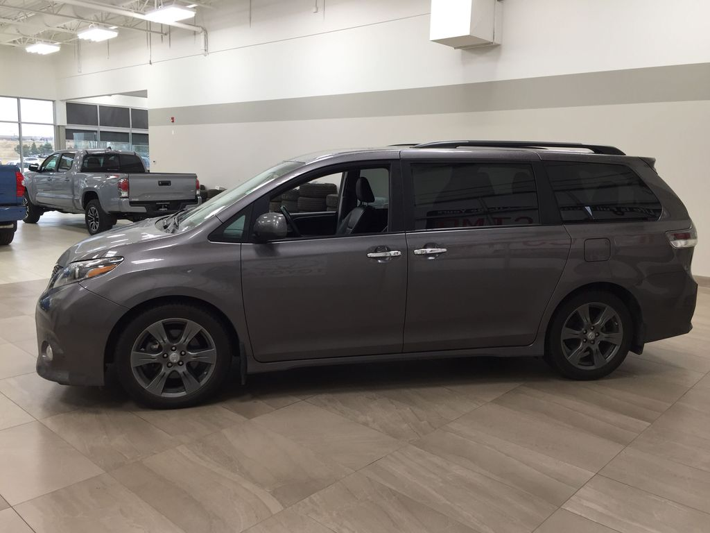 Gray[Pre-Dawn Grey Mica] 2017 Toyota Sienna SE Left Side Photo in Sherwood Park AB