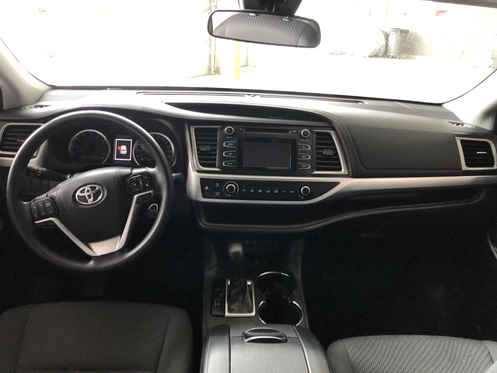 White 2018 Toyota Highlander LE | Toyota Certified Third Row Seat or Additional  Photo in Edmonton AB