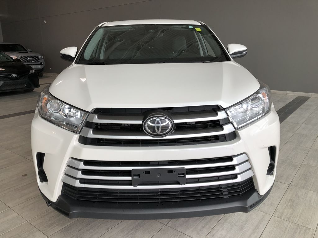 White 2018 Toyota Highlander LE | Toyota Certified Odometer Photo in Edmonton AB