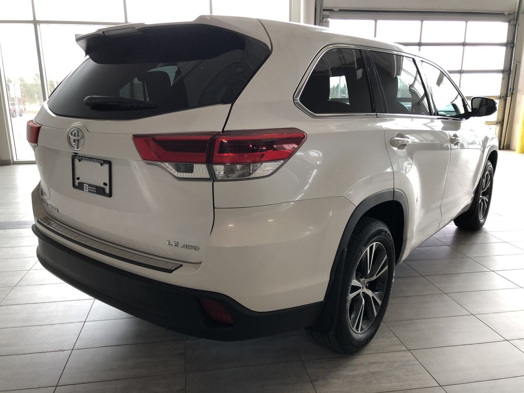 White 2018 Toyota Highlander LE | Toyota Certified Rear of Vehicle Photo in Edmonton AB