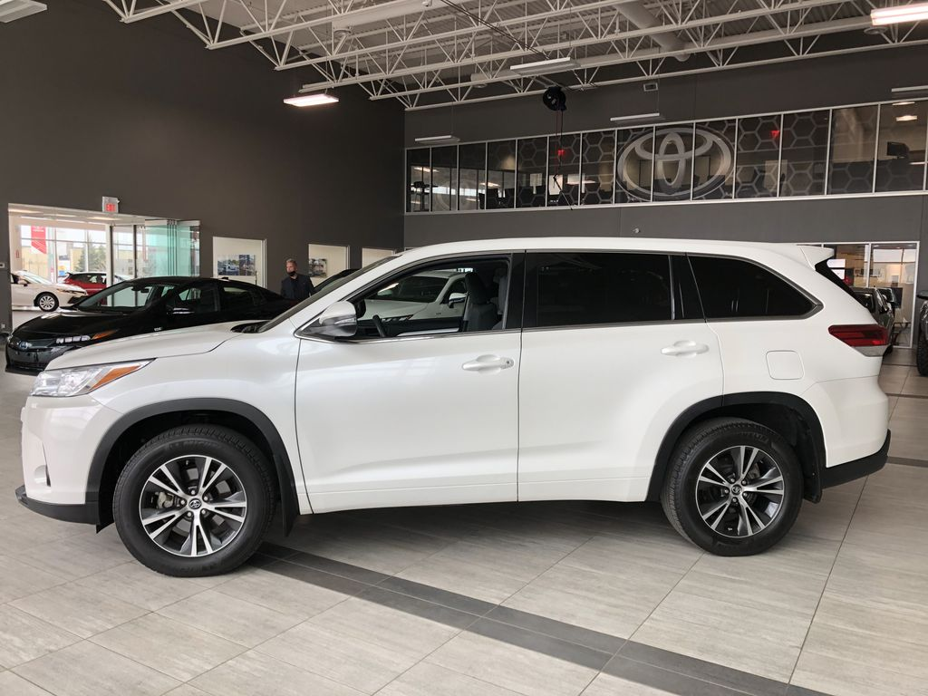 White 2018 Toyota Highlander LE | Toyota Certified Left Side Photo in Edmonton AB
