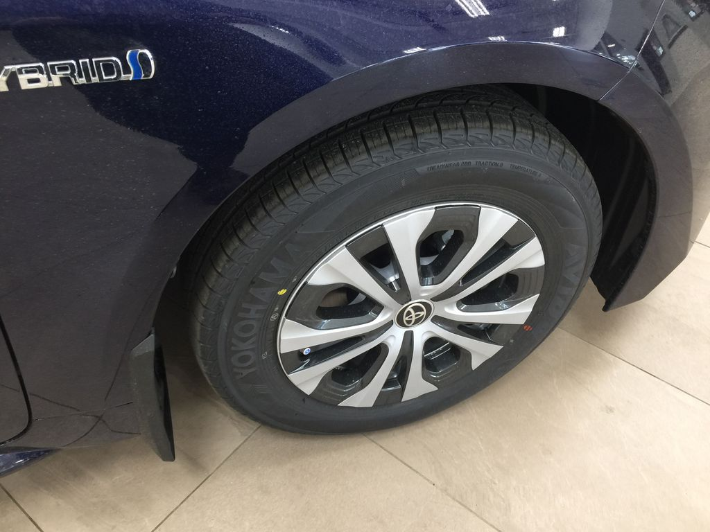 Blue[Blueprint] 2021 Toyota Corolla Hybrid Right Front Rim and Tire Photo in Sherwood Park AB