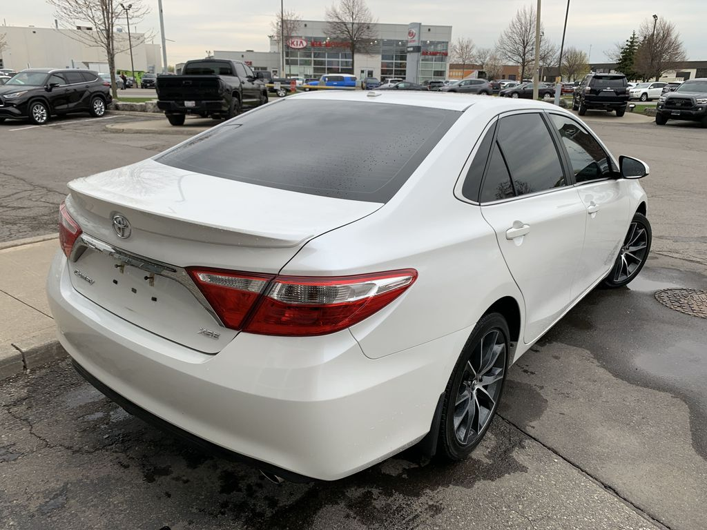 White[Blizzard Pearl] 2017 Toyota Camry Sunroof Photo in Brampton ON