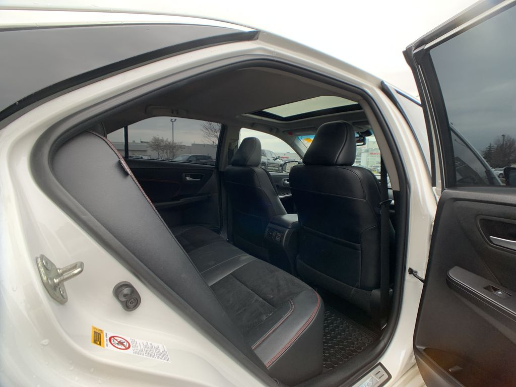 White[Blizzard Pearl] 2017 Toyota Camry Right Front Interior Door Panel Photo in Brampton ON