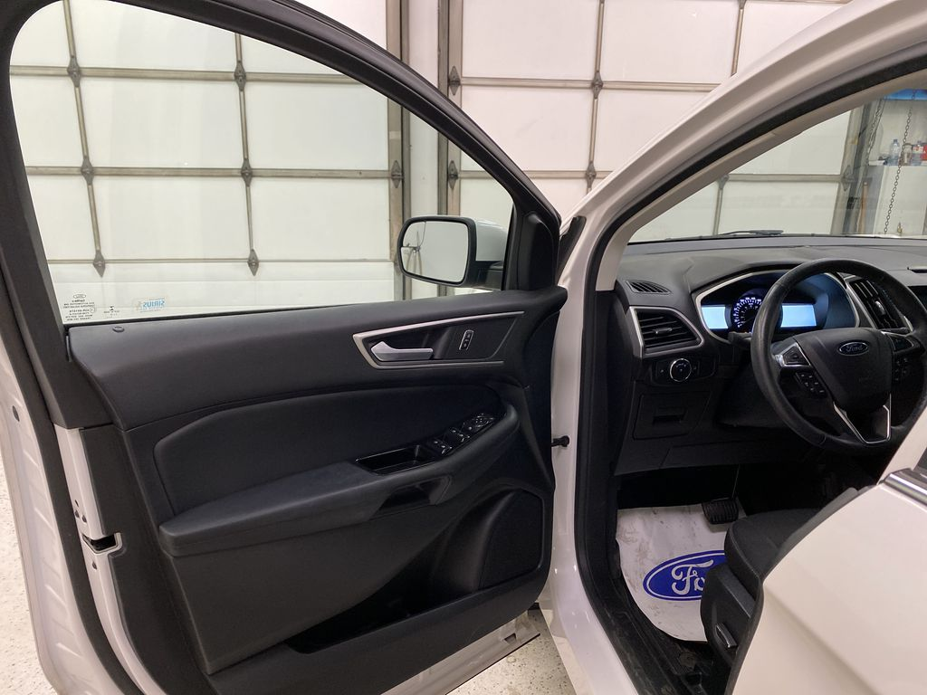 White[Oxford White] 2017 Ford Edge Left Front Interior Door Panel Photo in Dartmouth NS