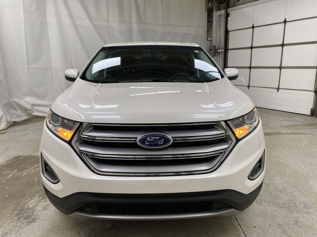 White[Oxford White] 2017 Ford Edge Front Vehicle Photo in Dartmouth NS