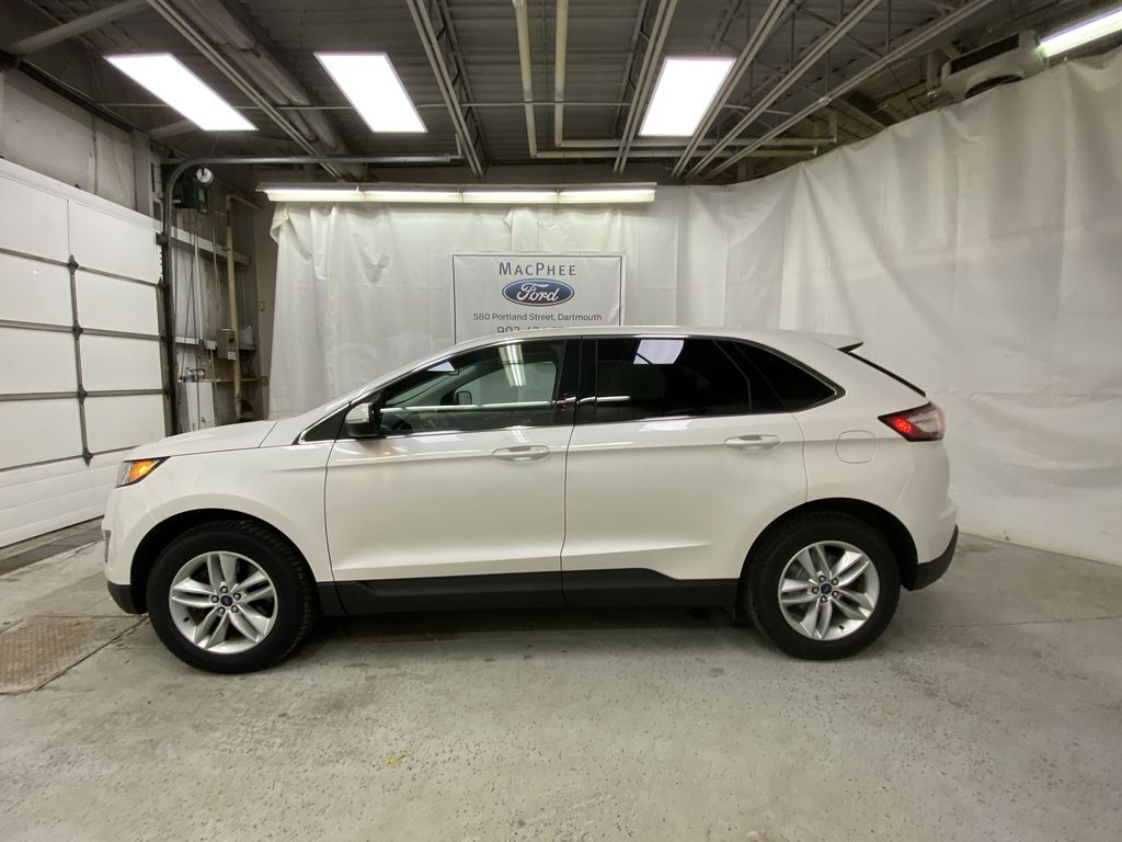 White[Oxford White] 2017 Ford Edge Left Side Photo in Dartmouth NS