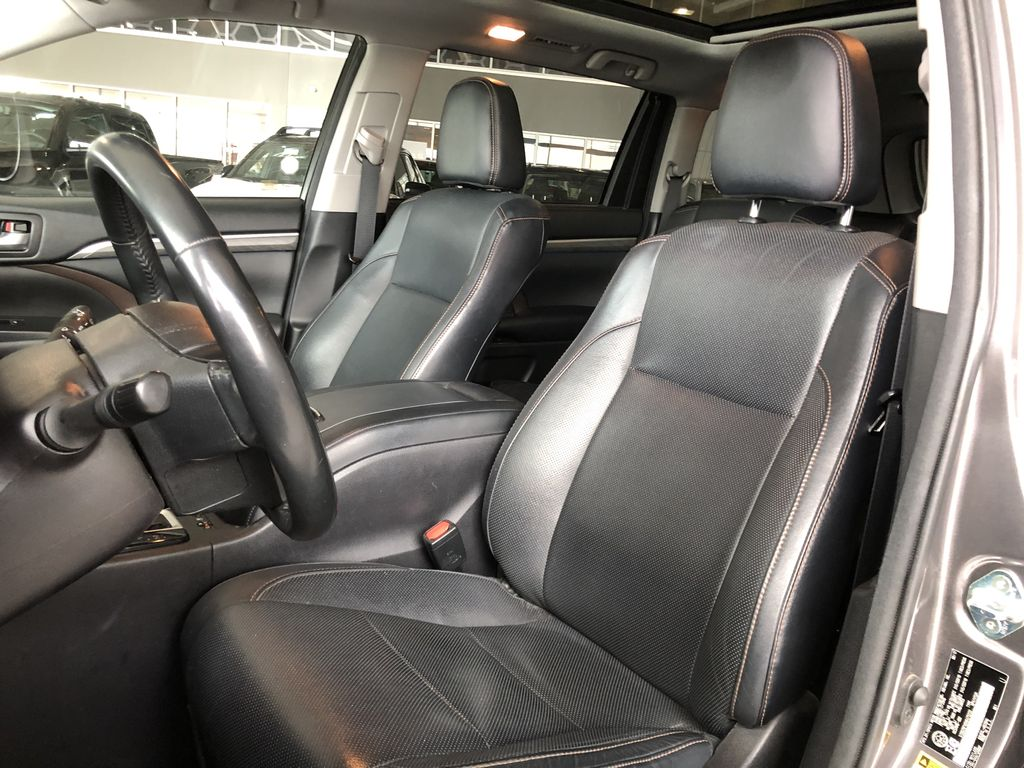 Grey 2017 Toyota Highlander Limited Left Driver Controlled Options Photo in Edmonton AB