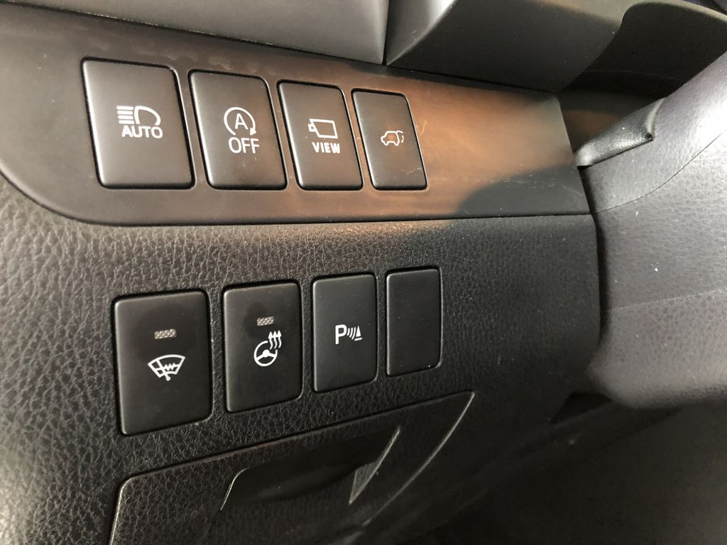 Grey 2017 Toyota Highlander Limited Right Side Front Seat  Photo in Edmonton AB