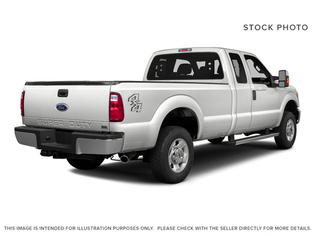 White[Oxford White] 2016 Ford Super Duty F-250 SRW Right Rear Corner Photo in Fort Macleod AB