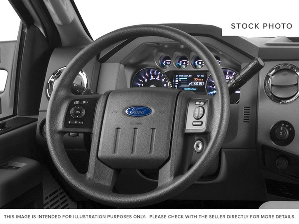 White[Oxford White] 2016 Ford Super Duty F-250 SRW Steering Wheel and Dash Photo in Fort Macleod AB