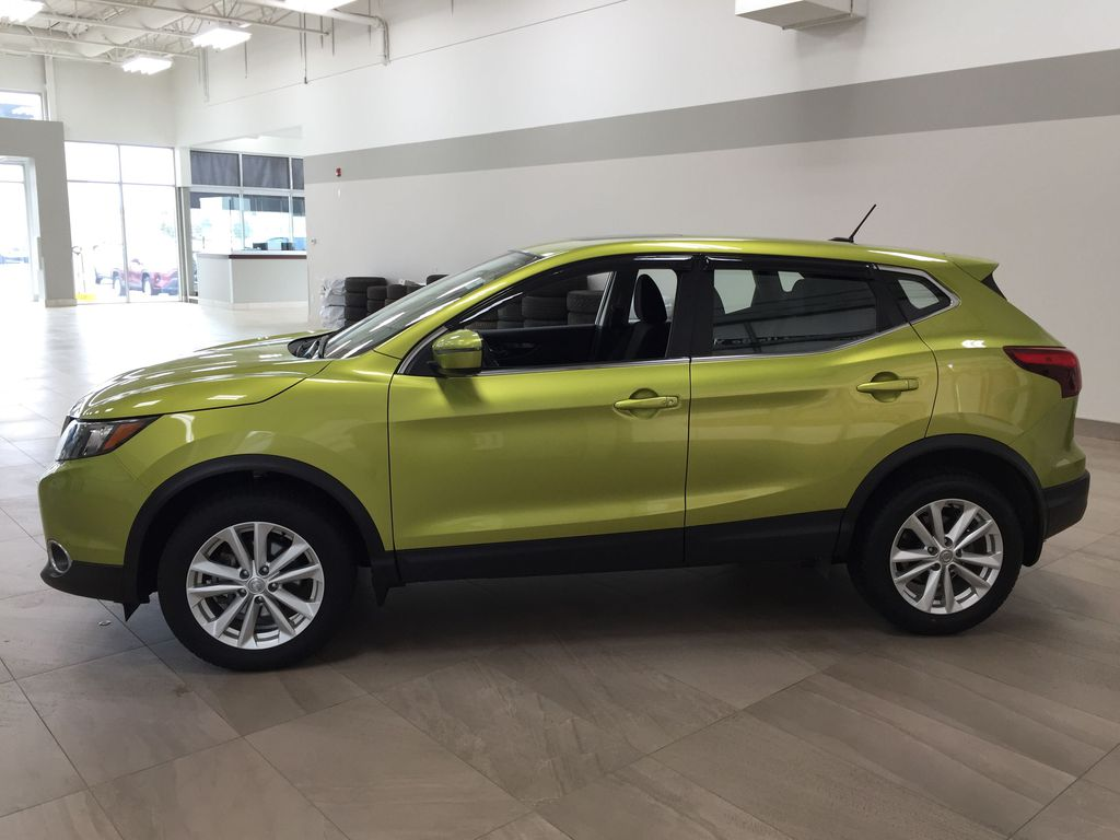 Green[Nitro Lime Metallic] 2018 Nissan Qashqai SV Left Side Photo in Sherwood Park AB