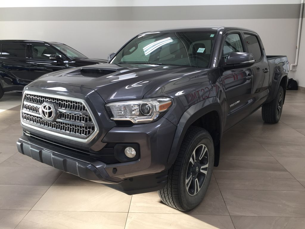 Gray[Magnetic Grey Metallic] 2016 Toyota Tacoma TRD SPORT DBL CAB Left Side Photo in Sherwood Park AB