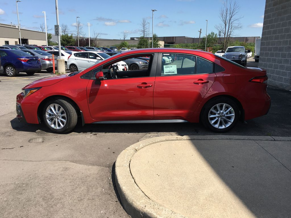 Red[Barcelona Red Metallic] 2021 Toyota Corolla SE Standard Package B4RBSC AM Front Vehicle Photo in Brampton ON