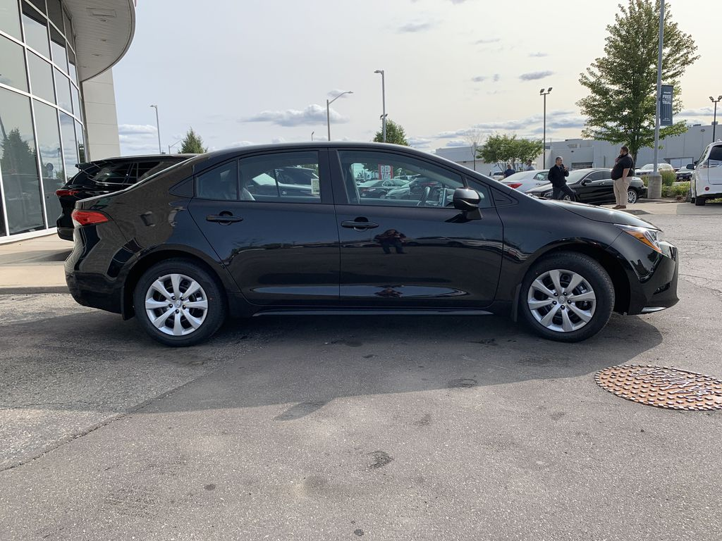 Black[Black Sand Pearl] 2021 Toyota Corolla LE Standard Package BPRBLC AM Front Vehicle Photo in Brampton ON